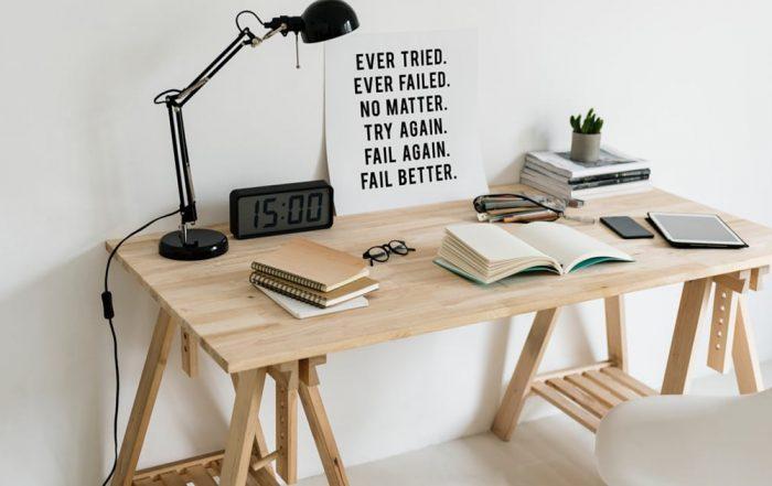 Meja Kantor Kayu